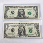Two Consecutive US Star Replacement One Dollar Banknotes Uncirculated - Lot 380C